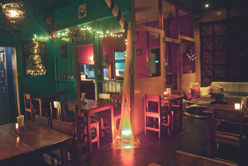 om-cafe-bocas-del-toro-panama-restaurante-3.jpg